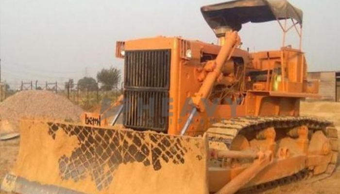 rent BD155 Price rent beml dozer in guwahati assam beml bd155 dozer on rent he 2015 747 heavyequipments_1530613332.png