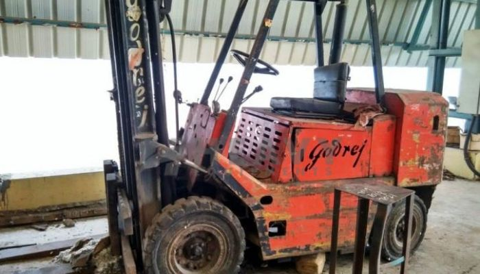 rent GX Series 3Ton Price rent godrej forklift in bhuj gujarat godrej forklift hire service in bhuj he 2013 177 heavyequipments_1518415037.png