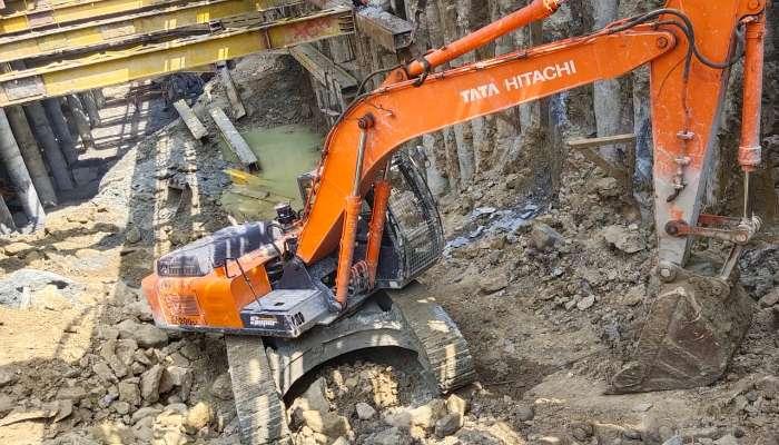 rent EX 200 LC Price rent tata hitachi excavator in mumbai maharashtra tata hitachi excavator with breaker he 1954 1631854315.webp