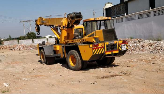 used F 15 Price used escort pick n carry in vadodara gujarat escort f 15 pick n carry crane he 1742 1579174192.webp