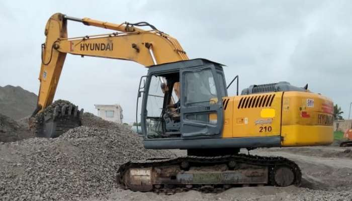 used R-210 Price used hyundai excavator in rajkot gujarat hyundai r210 for sale he 1655 1563541230.webp
