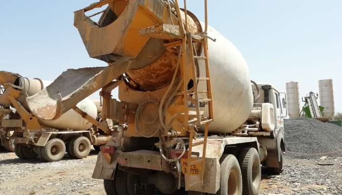 used 6 Cubic Meter Price used schwing stetter transit mixer in bhuj gujarat used transit mixer he 1595 1558177390.webp