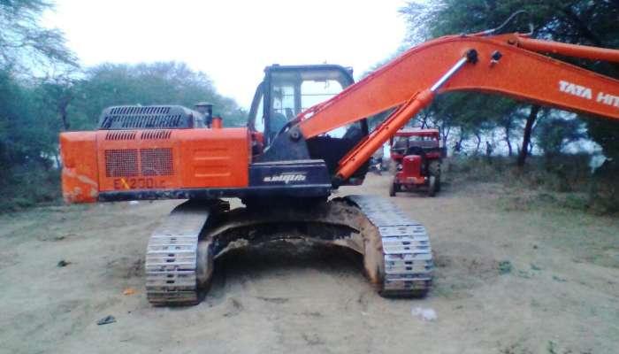 used EX 200 LC Price used tata hitachi excavator in gwalior madhya pradesh used tata hitachi ex200 in madhya pradesh mp he 1605 1558437179.webp