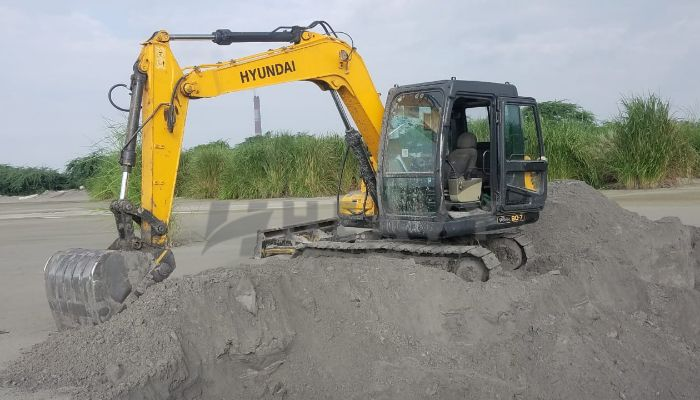 used R-80 Price used hyundai excavator in aligarh uttar pradesh used hyundai r 80 he 2016 1070 heavyequipments_1536580113.png