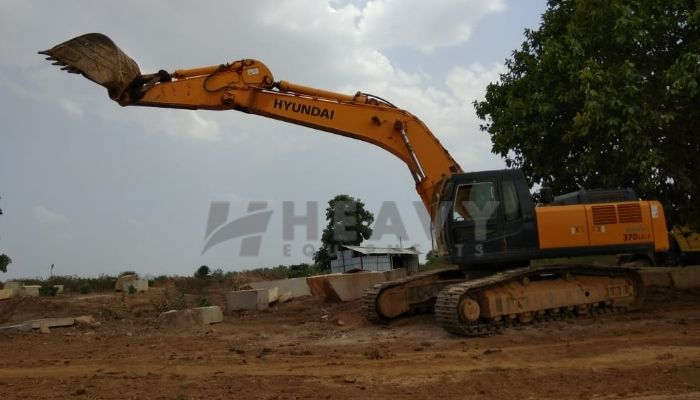 used 370 LC Price used hyundai excavator in nimach madhya pradesh used 370 lc hyundai excavator he 2013 1035 heavyequipments_1535548257.png
