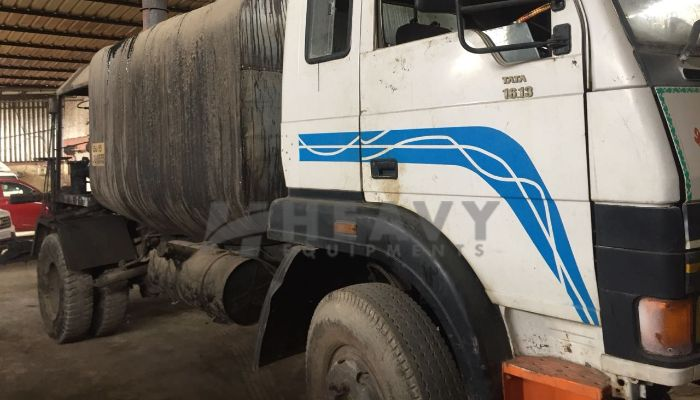 used 1613 Price used tata trucks in ahmedabad gujarat used bitumen sprayer truck for sale he 2009 645 heavyequipments_1529490628.png
