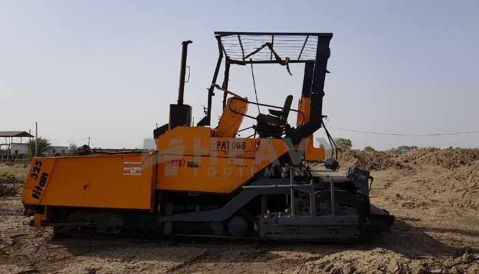 used 325 Price used titan paver in jhansi uttar pradesh 9meter paver he 2002 475 heavyequipments_1525777186.png