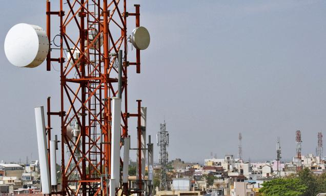 100000 New Mobile Towers Needed To Stop Call Drops COAI