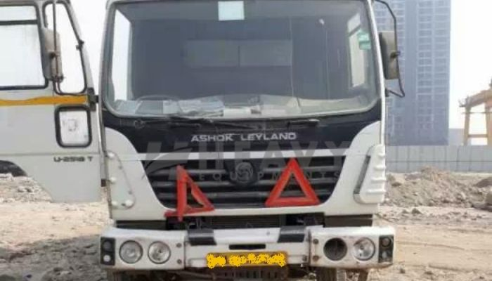 rent ashok leyland dumper tipper in ahmedabad gujarat ashok leyland 2518 t dumper truck on rent he 2015 972 heavyequipments_1533977993.png