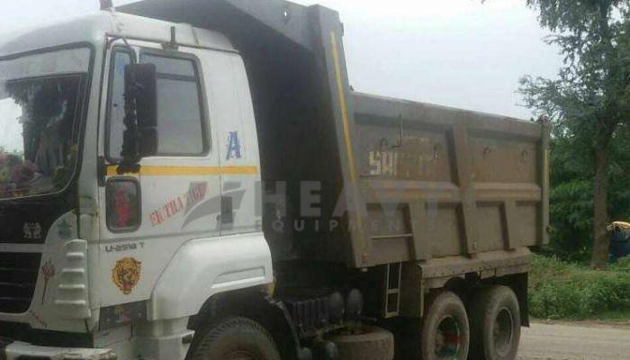 rent ashok leyland dumper tipper in ahmedabad gujarat ashok leyland 2518 t dumper truck on rent he 2015 972 heavyequipments_1533978010.png