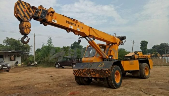 Escort Pick N Carry Crane On Rent