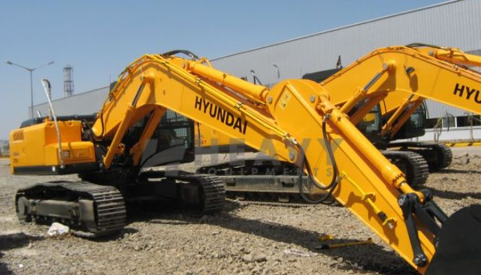 Hyundai R110 Poclain Machine For Rent