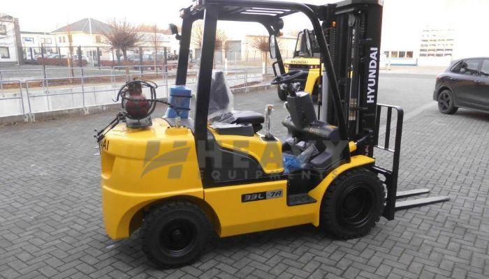 Hire Hyundai Diesel Forklift Truck