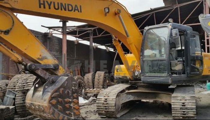 rent hyundai rock breaker in ahmedabad gujarat rent hyundai 210 excavator with breaker he 2015 978 heavyequipments_1534144275.png