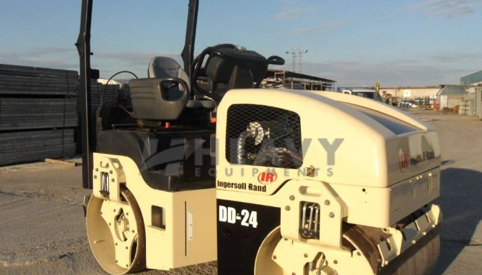 Ingersoll rand DD24 Roller For Rent
