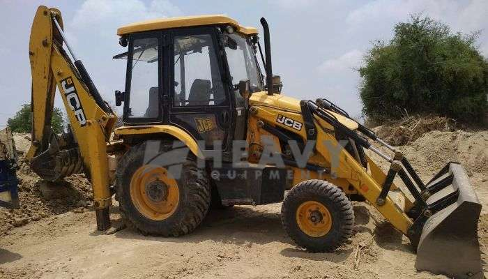 JCB Backhoe Loader Rent