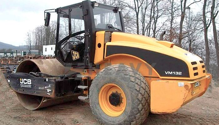 Hire Soil Compactor At VM 132