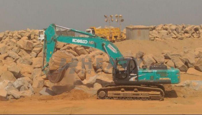 Kobelco SK 380HDLC Excavator For Rent