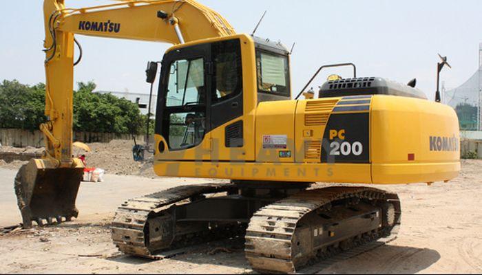 komatsu PC 200 Excavator For Rent