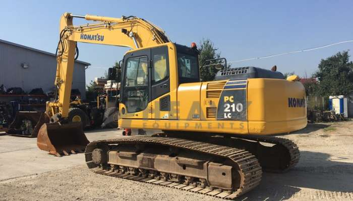 Komatsu PC210 Excavator On Rent