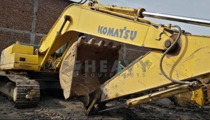 LnT KOMATSU Excavator PC 200 Maharashtra Hire