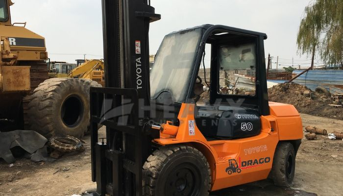 rent toyota forklift in ahmedabad gujarat toyota 5 ton diesel forklift he 2014 454 heavyequipments_1525499843.png