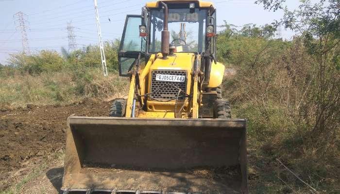 used case backhoe loader in bardoli gujarat  case 770 backhoe loader he 1754 1581481937.webp