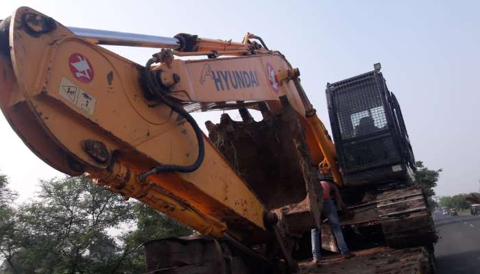 used hyundai excavator in bharuch gujarat used hyundai 220 excavator for sale he 1713 1573617637.webp