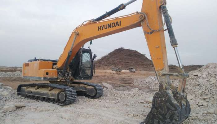 used hyundai excavator in kutch gujarat used hyundai excavator for sale at best price  he 1601 1558265152.webp