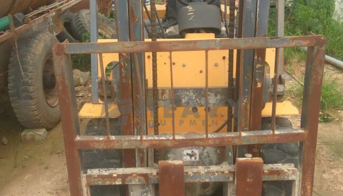 used ace forklift in ahmedabad gujarat af30d forklift he 2011 484 heavyequipments_1525848833.png