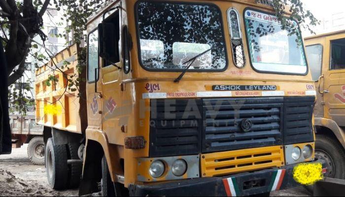 Used AsHok LayLand Truck