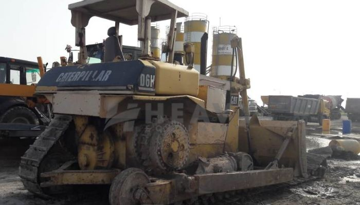 used caterpillar dozer in bharuch gujarat cat d6h dozer he 1996 1081 heavyequipments_1536746878.png