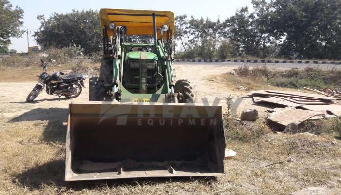 5055E Tractor With loader