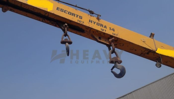 Escort 14 ton Hydra Crane