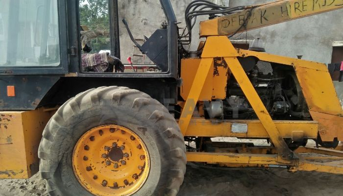 used escort hydra in vadodara gujarat escort 12ton he 2012 519 heavyequipments_1526558602.png