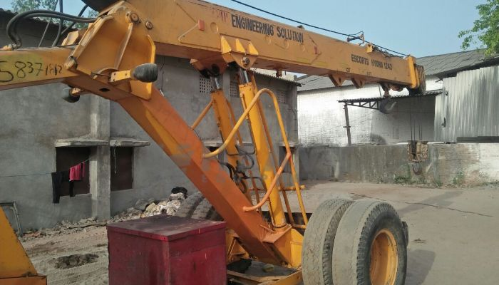 used escort hydra in vadodara gujarat escort 12ton he 2012 519 heavyequipments_1526558629.png