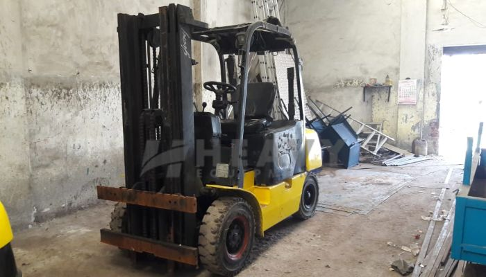 used godrej forklift in bharuch gujarat used godrej 3 ton forklift he 2015 1064 heavyequipments_1536405469.png