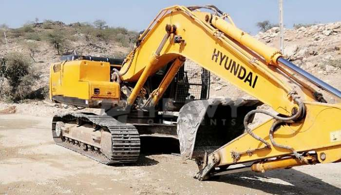 Hyundai 210 Excavator for sale