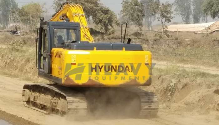 Hyundai R215 Poclain for Sale