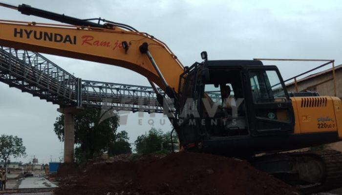 used hyundai excavator in indore madhya pradesh used hyundai excavator he 2017 1061 heavyequipments_1536305777.png