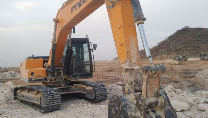 Used Hyundai excavator for sale at best price