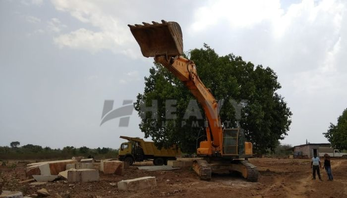 Used 370 LC Hyundai Excavator