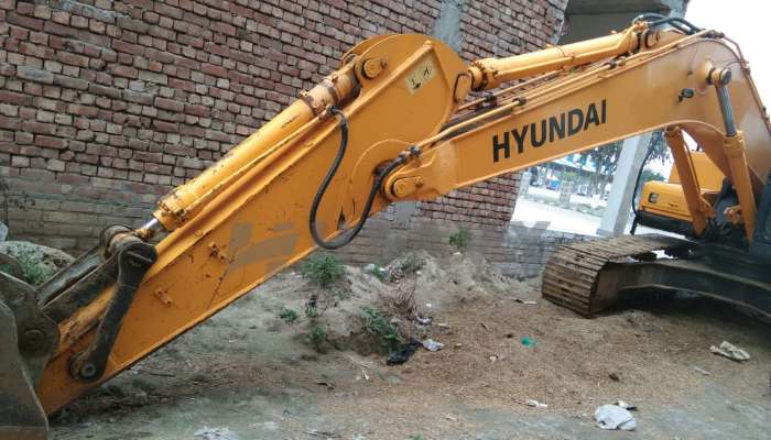 Hyundai R215 for Sale