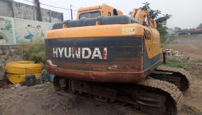 Hyundai R140 Excavator