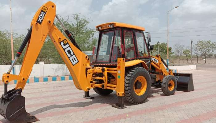 JCB 3DX Price in India