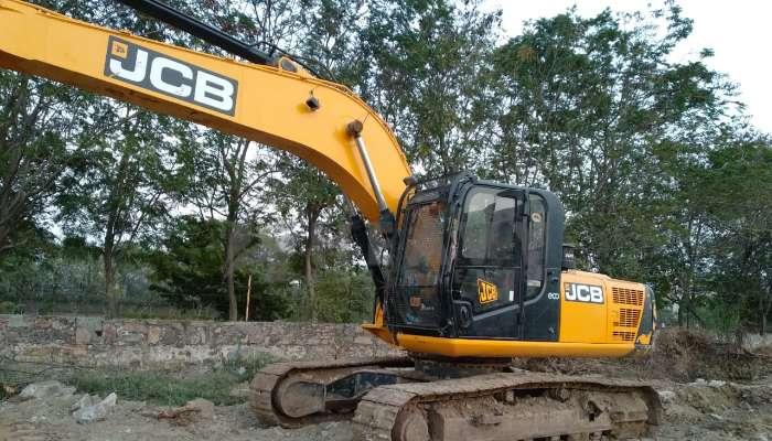 JCB 220 Excavator