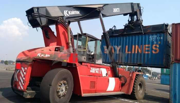 Kalmar 2011 DRF Reach Stacker for Sale