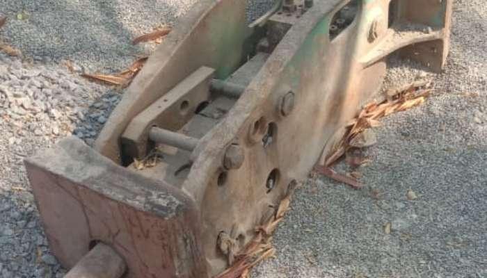 Kobleco 140 With Rock Breaker