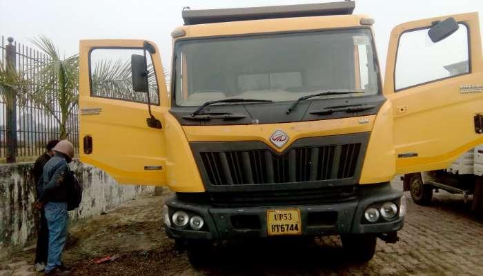Mahindra Balzo 10 wheel dumper