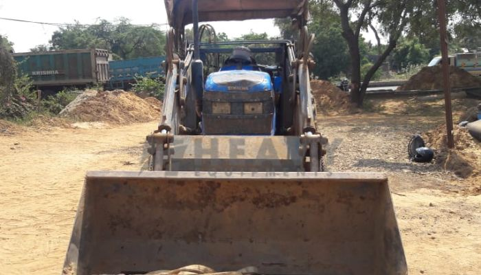 Sonalika Tractor With Wheel Loader